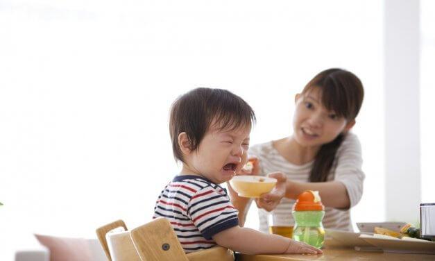 Làm gì khi trẻ biếng ăn?