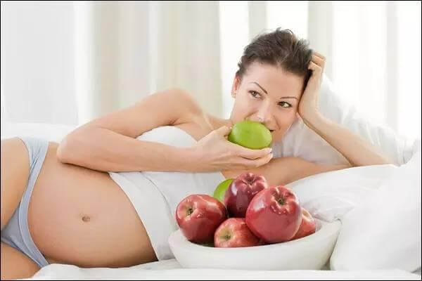 Ăn táo tốt cho bà bầu bị huyết áp cao