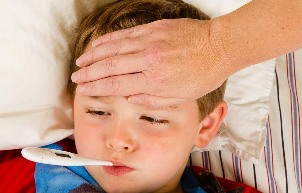 Trẻ sốt không rõ nguyên nhân-cha mẹ phải làm gì?