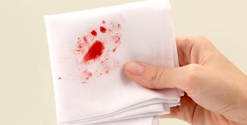 Nôn ra máu là biểu hiện của bệnh gì?