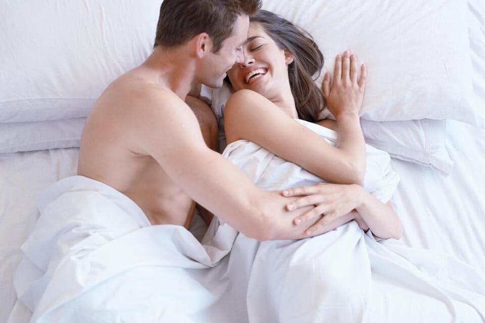 """Cách quan hệ vợ chồng dễ lên """"đỉnh"""""""