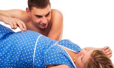 Có bầu có nên quan hệ không?